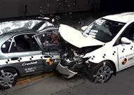 بالفيديو.. هذا ما حدث عند اصطدام سيارتين تويوتا كورولا بينهما 17 عامًا