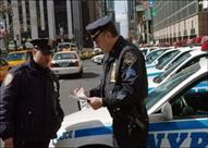 الشرطة الأمريكية تستوقف طفلين لقيادة سيارتهما على الرصيف.. فيديو