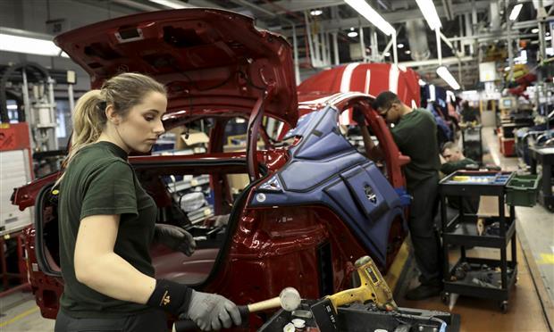 جاجوار لاند روفر توقف إنتاج مصانعها لأسبوع في نوفمبر