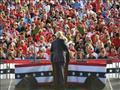 الرئيس الأميركي دونالد ترامب يخاطب أنصاره خلال تجم