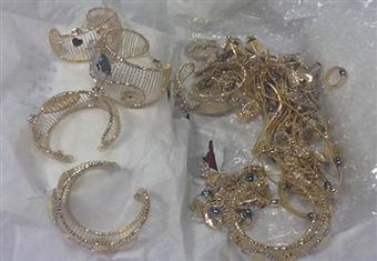 مصدر يكشف مفاجأة في واقعة سرقة 1.5 كجم ذهب من مالك محل مجوهرات