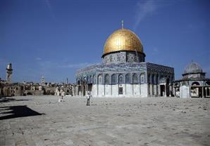 هآرتس: موافقة إسرائيل على إعادة التنسيق مع الأوقاف الإسلامية في الحرم القدسي مستبعدة