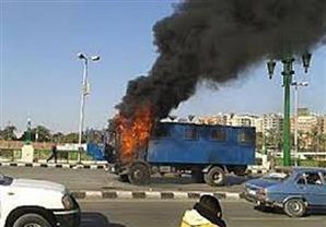 استهداف سيارة أمن مركزي أعلى الدائري وإصابة ٣ شرطيين