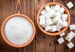 السكر والملح للتخلص من الشعر تحت الجلد
