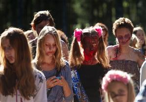 بالصور: اجتماع للموتى الأحياء في سان بطرسبورغ