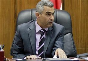 وزير النقل يلغي الخصومات على مرتبات العاملين بورش السكك الحديدية