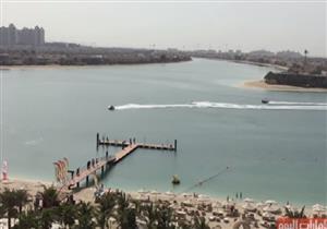 سيارات برمائية تتنافس في دبي
