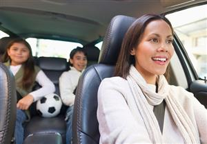 """هل تعلم.. """"الجواكت"""" الثقيلة خطر على ركاب السيارات!"""