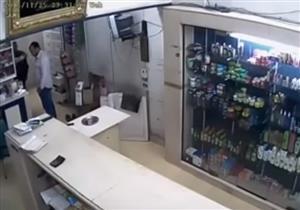 فيديو متداول لاعتداء ضابط بالإسماعيلية على طبيب قبل وفاته