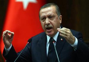 """أردوغان يطلب إسكات صحفي روسي أحرجه بسؤال عن """"داعش"""" -فيديو"""