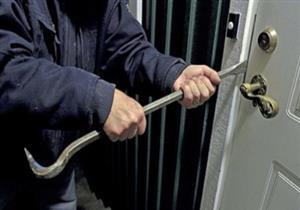 القبض على تشكيل عصابي تخصص في سرقة المساكن بالعبور