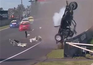 بالفيديو.. أسوأ حادث شهدته حلبات سباقات السيارات في 2015