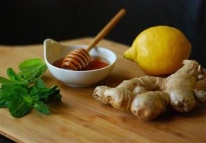 أطعمة ومشروبات متوفرة بمنزلِك تعالج الأمراض.. إليك أبرز استخداماتها