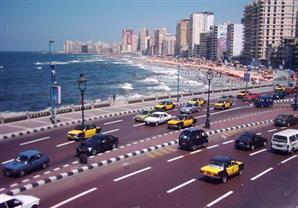 المسيرى يتفقد شواطئ ومتنزهات الإسكندرية
