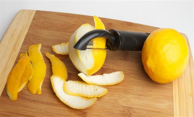 يقي من السرطان.. 8 فوائد صحية لقشر الليمون