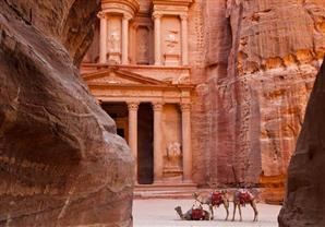 الأردن .. وديان خضراء في قلب الصحراء فى صور