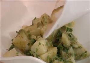 طريقة عمل سلطة البطاطس بالثوم- الشيف أيمن عفيفي