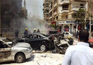 أحمد موسى يعرض جزء من العبوة الناسفة التي استخدمت فى تفجير موكب النائب العام