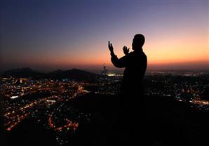 بالفيديو.. عالم أزهري يوضح كيفية الدعاء في العشر الأواخر من رمضان