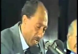 فيديو نادر للرئيس السادات يعلن فيه اعاده افتتاح قناة السويس