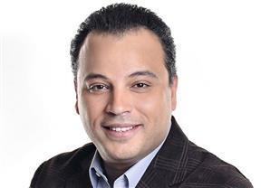متصلة تحرج تامر عبد المنعم: أنت أسوأ نموذج يمثل نظام مبارك