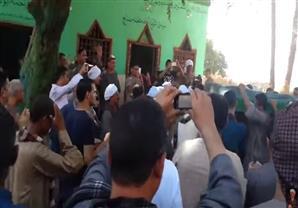 """بالفيديو - جنازة بالطبل والمزمار لـ """"محمد صالح"""" ولي الله في سوهاج"""