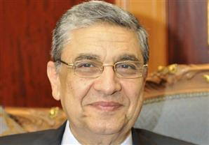 وزير الكهرباء يوضح السبب وراء  انقطاع التيار