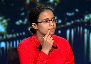 مريم ملاك تجيب عن أسئلة في اللغة العربية على الهواء