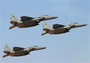 طائرات التحالف العربى تقصف مواقع للميليشيات الحوثية في فج عطان بصنعاء