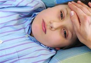 علام يدل احمرار البول لدى الأطفال؟