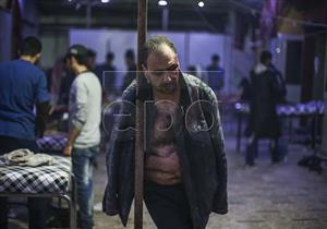 """بالصور: """"بدرة"""" يفتش في دمار سوريا عن """"حياة"""""""