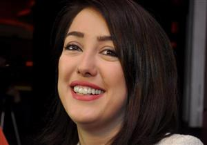 بالفيديو- كندة علوش تشارك جمهورها إطلالتها الجديدة