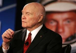وفاة رائد الفضاء الأمريكي جون جلين عن 95 عاما