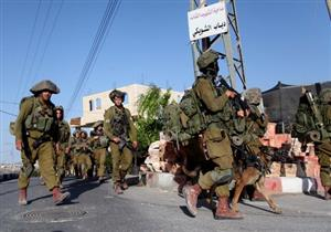 مسلمون يكسرون الحصار الإسرائيلي ويحرمون للعمرة من المسجد الأقصى