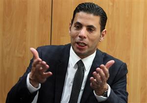 """حساسين عن مبيعات ألبوم عمرو دياب الجديد: """"الواحد احتار في الشعب المصري"""""""