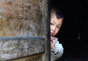 بالفيديو: ماذا فعل هذا الشاب في الصين ؟!.. وماذا كان رد فعل الناس ؟!