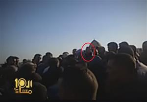 خطيب مسجد يثير البلبلة خلال تشييع جنازة أحد شهداء سيناء - فيديو