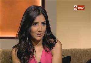مي عمر تعلق على اتهام زوجها المخرج محمد سامي بالمحاباة لها في مسلسل الأسطورة