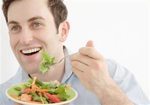 للرجل.. أكلات تجعلك أكثر جاذبية.. وأخرى تُبعد عنك الجنس اللطيف!
