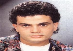 فيديو متداول لـ عمرو دياب في بداياته .. حركات كوميدية غريبة - فيديو