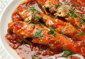 طريقة عمل السمك المقلي مع صوص الطماطم