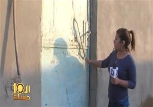 """نمر يحاول الهجوم على مذيعة """"دريم"""" خلال تقرير عن مزرعة نمور العياط- فيديو"""