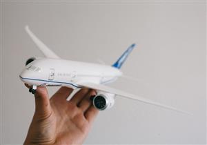"""لهذه الأسباب معظم طائرات العالم لونها """"أبيض"""".. فيديو وصور"""