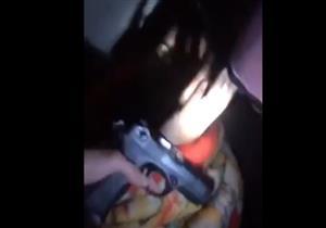 """بالفيديو - قُبض عليه نائمًا.. ضابط المباحث لـ """"تكفيري"""" بعد ضبطه: """"وحشتنا يا أحمد"""""""