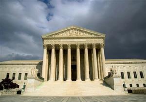 المحكمة العليا الأمريكية توافق على تطبيق جزء من مرسوم تقييد السفر