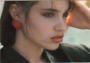 """بالصور- بعد تكريمها من """"الإسكندرية السينمائي"""".. 7 معلومات عن بياتريس دال"""