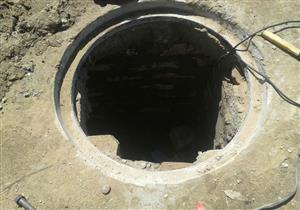 إصلاح كسر في خط المياه الرئيسي المغذي لقرية الدير جنوب الأقصر