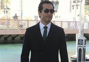 """عمرو سعد عن جائزة """"الإسكندرية السينمائي"""": أهدي الفوز لنفسي وأبكيت 25 ناقدًا"""