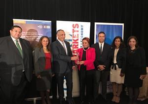طارق عامر يتسلم جائزة أفضل محافظ في الشرق الأوسط