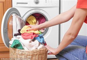 8 أخطاء شائعة عند غسل الملابس ..تجنبيها